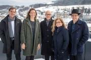 Der Stadtrat in seiner heutigen Zusammensetzung auf dem Rathaus-Dach (von links): Peter Jans, Sonja Lüthi, Stadtpräsident Thomas Scheitlin, Maria Pappa und Markus Buschor. (Bild: Michel Canonica - 30. November 2017)