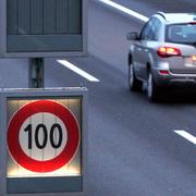 Die Geschwindigkeit auf der A14 ändert sich je nach Verkehrsaufkommen (Archivbild Zuger Zeitung)