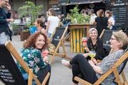 An der Premiere des St.Galler Gin-Festivals im Sommer 2018 im Lattich im alten Güterbahnhof. (Bild: Ralp Ribi - 2. Juni 2018)