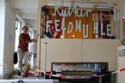 Paul und Kati Zünd haben sich um die Gestaltung in der Fabrikhalle gekümmert. (Bild: Anne-Sophie Walt)