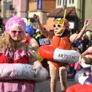 Genossen buchstäblich das Bad in der Menge: Artsifartsi. Bilder: Dominik Wunderli (Hochdorf, 5. März 2019)