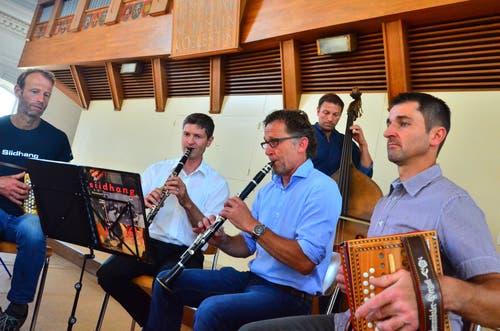 Die Gruppe Siidhang spielte in der Kirche auf.