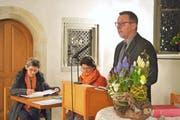 Präsident Jürg Hausammann führt durch die Versammlung. Aktuarin Elisabeth Brunner und Pflegerin Dajana German hören zu. (Bild: Mario Testa)