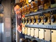 Mit den elektropneumatischen Ventilen wird unter anderem auch die Lokpfeife bedient. (Bild: Ralph Ribi)