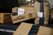 Am 26. Dezember 2018 ist Schluss: Ab dann können Schweizer Kunden nicht mehr auf Amazon.com shoppen. Archivbild: Patrick Semansky/Keystone (Louisville/USA, 20. November 2015)