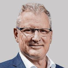 Der amtierende SVP-Finanzdirektor Heinz Tännler will in den Ständerat wechseln. Der Zuger könnte seinen Vorgänger als Finanzdirektor, Peter Hegglin, unter Druck setzen.