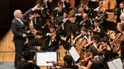 Daniel Barenboim dirigiert das West-Eastern Divan Orchestra.Bild: Priska Ketterer / LUCERNE FESTIVAL
