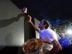 Australian Open 2018: Federer s. Cilic 6:2, 6:7 (5:7), 6:3, 3:6, 6:1Mit dem Turniersieg im Final gegen Marin Cilic setzt Federer eine weitere imposante Marke: Er holt sich als erster Spieler überhaupt den 20. Grand-Slam-Titel. Im Final bezwingt er den Kroaten Cilic erst in fünf Sätzen. Federer sagt in seiner Siegerrede: «Das Märchen geht weiter. Nach dem fantastischen 2017. Es ist unglaublich!»
