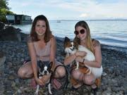 Lisa Ziltener, 29, mit Schwester Anna sowie Mia und RoxyPflegefachfrau, Romanshorn