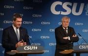 Der CSU-Vorsitzende und deutsche Innenminister Horst Seehofer und der bayrische Ministerpräsident Markus Söder (Bild: Sean Gallup/Getty Images)