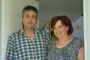 Sepp und Margrit Rutz kennen die Geschichte des Weilers Tannen. (Bild: Beat Lanzendorfer)