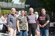Susanne Dschulnigg, Silvia Napo, Pfarrer Damian Brot und Arman Koktemir feiern zusammen das Jubiläum. (Bild: Judith Schuck)