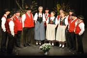 Der Jodlerklub Weinfelden beim Auftritt im «Thurgauerhof»-Saal. (Bild: Monika Wick)