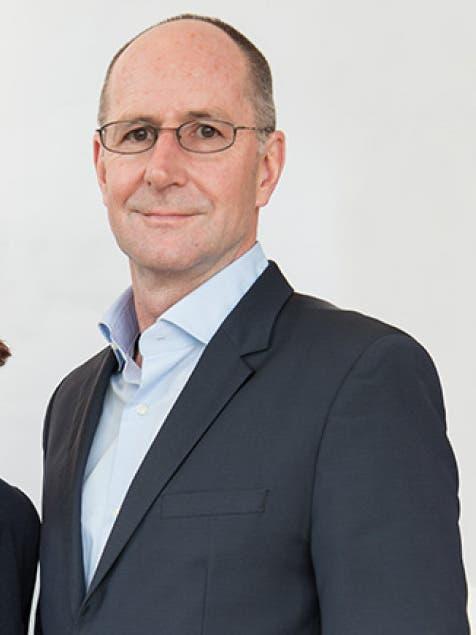 Franz Egle kennt Heidi Z'graggen als Berater von Samih Sawiris. Egle ist in Bern stark vernetzt, war Informationschef im Aussendepartement und Berater von Bundesrat Flavio Cotti.