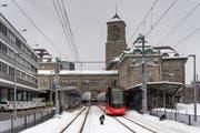 Einer der neuen Tango-Züge der Appenzeller Bahnen am Gaiserbahnhof in St.Gallen. Hier wurden die ehemalige Gaiser- und die ehemalige Trogenerbahn zur Durchmesserlinie verbunden. (Bild: Michel Canonica - 7. Februar 2019)
