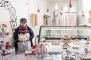 Nela Bildstein und ihr Mann verkaufen im Lokal der Gelateria dell'Alpi beim Luzerner Helvetiagärtli vorübergehend Cupcakes. (Bild: Nadia Schärli (20. November 2018))