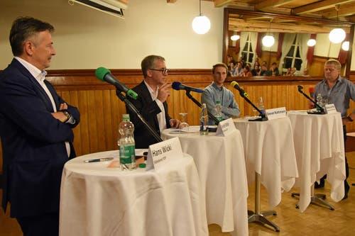 Podium zur Rentenreform 2020 im Hotel Metzgern (von links): Hans Wicki, der Obwaldner Ständerat Erich Ettlin, Donat Rüttimann und Gesprächsleiter Markus von Rotz. (Bild: Robert Hess (Sarnen, 15. September 2017))