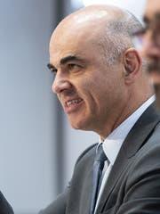 Bundesrat Alain Berset an der Medienkonferenz. (Bild: Keystone)