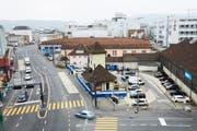 Das Tramhüsli am Centralplatz in Emmenbrücke. Links die Gerliswilstrasse, im Hintergrund die Viscosistadt. (Bild: Jakob Ineichen, 10. Oktober 2018)