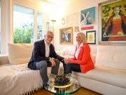 Im Bild ist Gallivater 2020, Hugo Herzog mit seiner Frau Lucette Oggier Herzog in ihrem Wohnzimmer. (Bild: Roger Grütter, Kriens, 20. Oktober 2019)