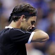 Roger Federer scheidet am US Open im Viertelfinal aus. (Bild: AP)