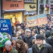 «Reagieren statt ignorieren»: Die Botschaft der Klimastreiker in Frauenfeld ist unmissverständlich. (Bild: Andrea Stalder, 15. März 2019)