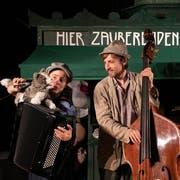 Im Figurentheater Petruschka spielt auch die klassische Musik eine wichtige Rolle. (Bild: Monique Wittwer)