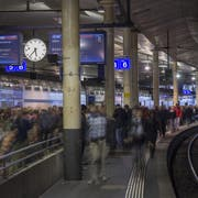 Pendlerandrang am Bahnhof Bern. (Bild: Keystone)
