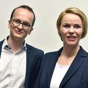 Schafft es Natalie Rickli den zweiten SVP-Sitz in der Zürcher Regierung zu halten? Sie muss zittern. Der Aussenseiter Martin Neukom (Grüne) dürfte gewählt sein. (Bild: KEY)