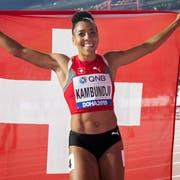 Ein Leichtathletik-Meilenstein für die Schweiz: die Bernerin Mujinga Kambundji nach ihrem WM-Bronzelauf über 200m. Bild: Jean-Christophe Bott/Keystone (Doha, 2. Oktober 2019)