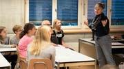 Englischlehrerin Mélanie-Chantal Deiss in Aktion. (Bild: Andreas Taverner)