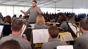 Der Musikverein Islikon-Kefikon spielt vor rund 900 Zuhörern.