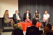 Die Diskussionsrunde: Moderatorin Regula Elsener, Martin Gehrer, Allan Guggenbühl, Emire Mustafa, David Friedl (v.l.) Bild: Lara Wüest