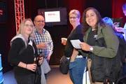 Heidi, Bruno und Karin Eugster sowie Valentina Colanero geniessen die aufgeräumte Stimmung an der TOM (von links). (Bild: Beat Lanzendorfer)