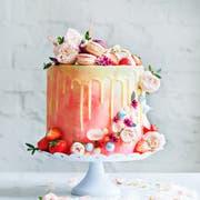Beim Schmücken der Torte kann man sich kreativ austoben. (Bild: Getty)
