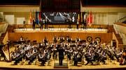 Das Orchester während des Wettspiels auf der grossen Bühne in Valencia.