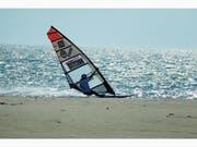 Mit einer Spitzengeschwindigkeit von 74,3 km/h bretterte Heidi Ulrich vor zwei Wochen im französischen La Palme über das Mittelmeer. (Bild: PD)