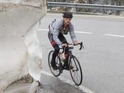Hat den Einzelsieg im Visier: der 30-jährige Sarner Michael Achermann, hier 2016 beim Aufstieg auf den Furkapass. (Bild: Urs Flüeler/Keystone, Furkapassstrasse, 11. Juni 2016)