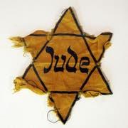 Ein gelber Judenstern, wie ihn Hingsts Grossmutter getragen haben soll. (Bild: AP)