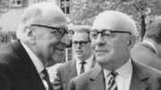 Max Horkheimer (1995-1973) und Theodor W. Adorno 1964 in Heidelberg.