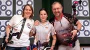 Ramona Baumgartner, Suwanee Klausnitzer und Urs Wittwer betreiben ihr Hobby mit Leidenschaft. (Bilder: Andreas Taverner)
