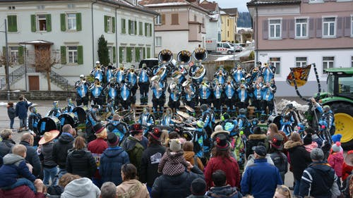 In Bazenheid wurde die Fasnacht offiziell am Samstag, 9. Februar, um 14.14 Uhr eröffnet. Auf dem Bild zu sehen sind die Guugewörger. (Bild: Beat Lanzendorfer, 9. Februar 2019)