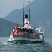 Das Dampfschiff «Stadt Luzern» fährt auf die Schiffsstation in Luzern zu. (Bild: Pius Amrein, 8. Mai 2018)
