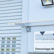 Mit Ausnahme des auslaufenden Betriebes im Werk in Buchs (Bild) sollen alle Standorte von Business House unter neuer Trägerschaft weitergeführt werden. (Archivbild: Thomas Schwizer)