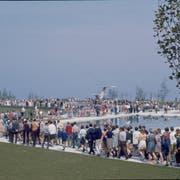 Grosser Andrang bei der Einweihung der Seebadi 1968. (Bild: PD)