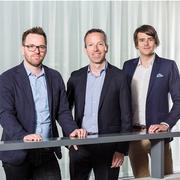 Das Führungstrio der CH-Media-Mantelredaktion (von links): Roman Schenkel (stv. Chefredaktor), Patrik Müller (Chefredaktor) und Raphael Schuppisser (stv. Chefredaktor). (Bild: CH Media)
