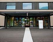 Eingang zum Bettentrakt am Kantonsspital Obwalden. (Bild: Corinne Glanzmann)
