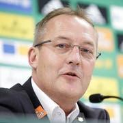 Zuletzt war er bei Rapid Wien am Ruder, nun kehrt er dorthin zurück, wo er einst seine Karriere als Fussball-Manager begonnen hat. Der neue Geschäftsführer von GC, Fredy Bickel. (Bild: Keystone)