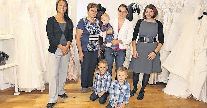 Neueroffnung Rosa Brautmode Mit Modeschau St Galler Tagblatt