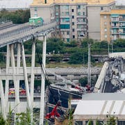 Blick auf die Unglücksbrücke in Genua. (Bild: Keystone)